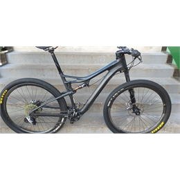 BIKE 29 CANNONDALE SCALPEL FSI BLACK INC